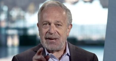 Robert-Reich-Fridayposts
